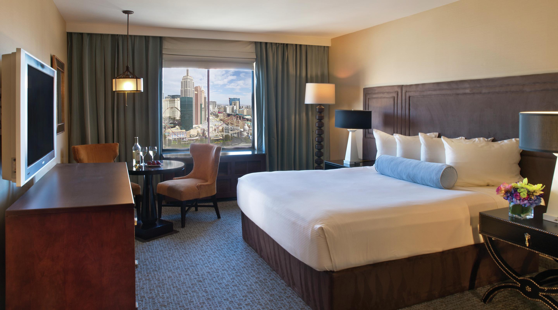 M Resort Room Reservation
